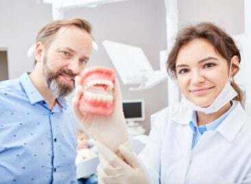 Top 4 types of dentures used to replace missing teeth and improve your smile